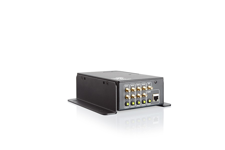 The model series Multichannel VPN Router 511/512 with angle brackets